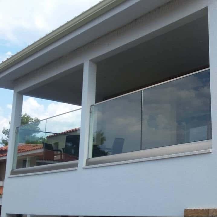 Glass railings & balustrades 18
