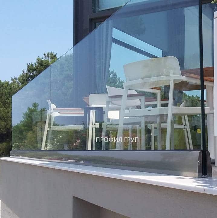 Glass railings & balustrades 17