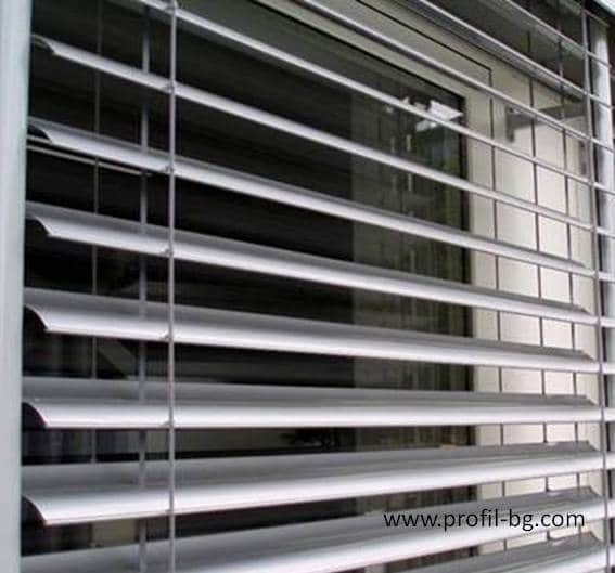 Exterior venetian horizontal blinds 3