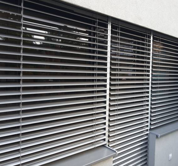 Exterior venetian horizontal blinds 14