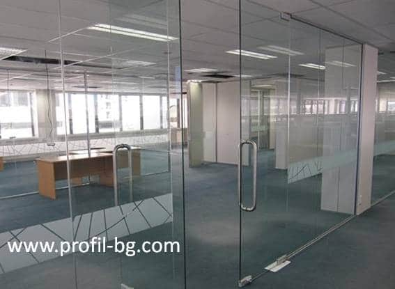 Glass doors and partitions 32