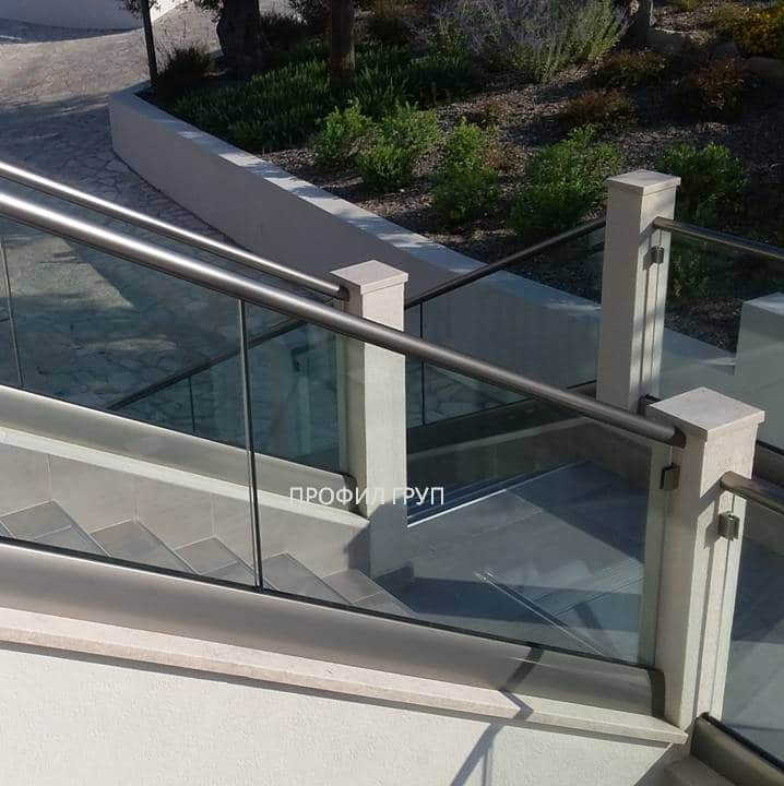 Glass railings & balustrades 23