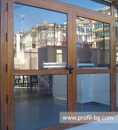 Entrance doors - PVC & aluminium 13