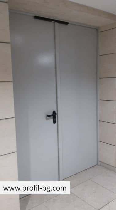 Метални врати за обща употреба 10