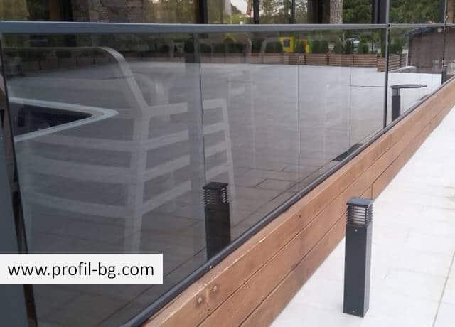 Aluminium railing systems 32
